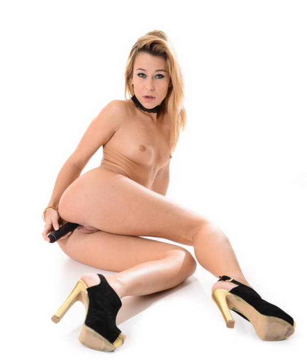 Lola Reve Solo Stripshow from Strippers  category